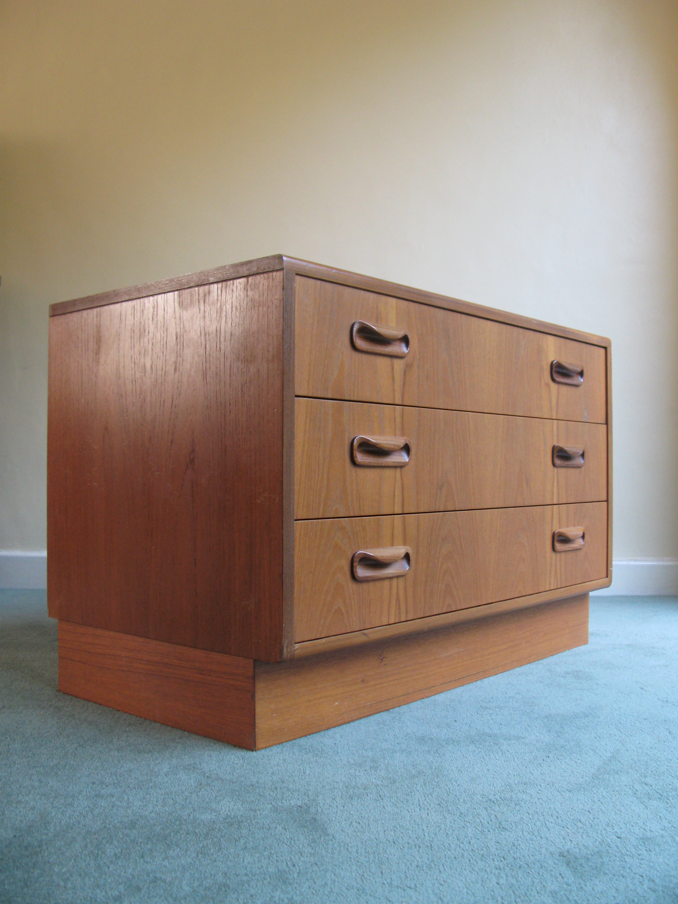 Download Tall Chest Of Drawers Plans Plans Diy Plans